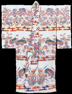花模様の紅型衣裳/「おきなわの赤」連動展示 朱漆の漆器
